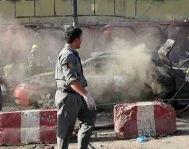 Zeci de morţi şi răniţi într-un atac sinucigaş în cursul unor funeralii în estul...