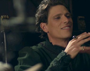De la brutar la actor de succes. Matteo Martari, cel care îl interpretează pe Francesco...