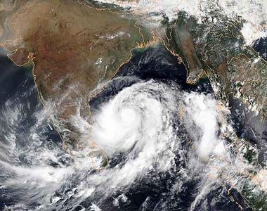 Un super taifun format în oceanul Indian se îndreaptă spre uscat și amenință țări deja...