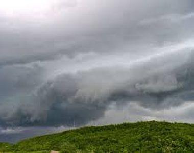 Cod galben de instabilitate atmosferică în cea mai mare parte a ţării, până la ora 18.00