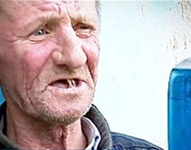 VIDEO| Primarul le-a dat de pomană spirt contrafăcut