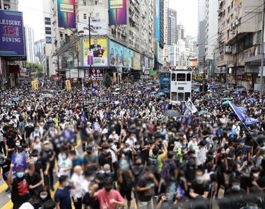 Proteste la Hong Kong din cauza legii securităţii naţionale. Poliţia a intervenit cu...