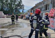 Incendiu cu mari degajări de fum la un depozit de materiale textile şi mase plastice din municipiul Iaşi