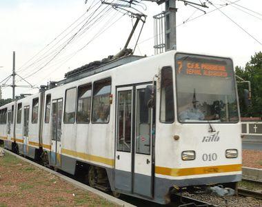 Două tramvaie s-au ciocnit în Bucureşti. Mai multe persoane au fost rănite