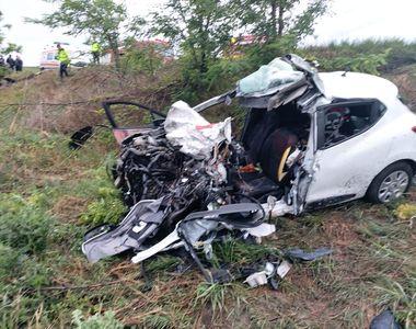 Accident extrem de grav pe E 581. Două persoane și-au pierdut viața
