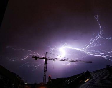 Prognoză meteo pentru Bucureşti: Temperaturile scad, vânt, averse şi descărcări electrice