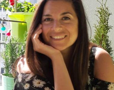 """Românca Alexandra Paucescu face senzație în lume după ce a lansat cartea """"Doar o soție..."""
