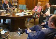 Orban, despre fotografia în care apare fumând şi fără mască: A fost promovată de PSD asiduu