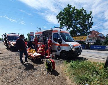 Accident grav în Galați. Un microbuz s-a ciocnit cu un TIR - FOTO