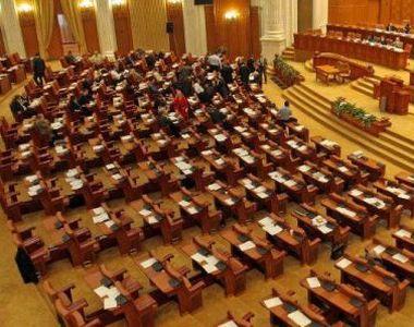 """Camera Deputaţilor a înlocuit formularea """"educaţie sexuală"""" cu """"educaţie..."""