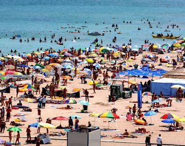 VIDEO| Marea i-a chemat la ea! Mii de turiști pe litoral