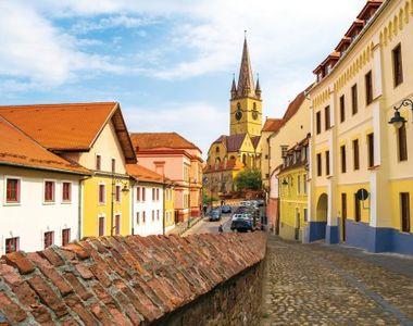 Un oraş din România, pe lista celor mai sigure destinaţii turistice europene în timpul...