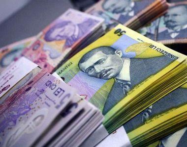 INS: Câştigul salarial mediu nominal net a scăzut în aprilie cu 3,4%, la 3.182 lei