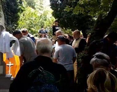 Imagini dureroase de la mormântul lui Costin Mărculesu! Trupul neînsuflețit a fost...