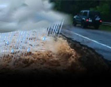 Ploile torențiale fac din nou ravagii în toată țara! Sute de gospodării inundate