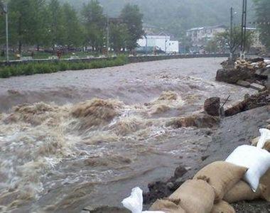 Ploile au făcut prăpăd în 23 de județe. Pompierii au intervenit la peste 500 de case