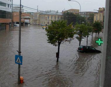 Caraş-Severin: 40 de case afectate puternic de inundaţii