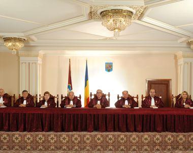 Curtea Constituţională va dezbate în 15 iulie sesizarea Guvernului referitoare la...