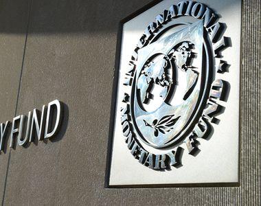 FMI prezice o recesiune globală mai profundă. Multe locuri de muncă sunt în pericol