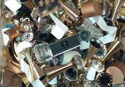 Percheziţii în mai multe judeţe pentru destructurarea unei grupări care se ocupa cu comercializarea de parfumuri contrafăcute