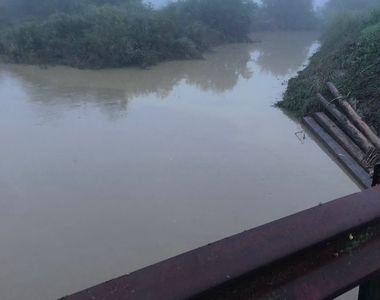 Viitura de pe Prut a ajuns în România; apa a depăşit cu aproape 2 metri cota de pericol