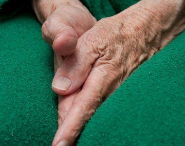 Galaţi: O femeie de 96 de ani a murit, după ce s-a aruncat de la etajul patru