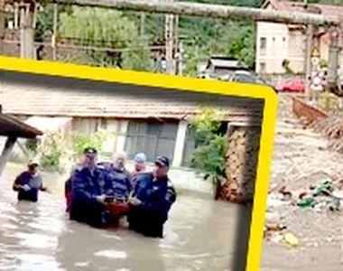 VIDEO | Apele se revarsă peste oraşe