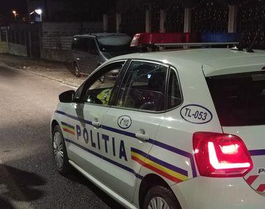 Un mort şi trei răniţi, după ce două maşini s-au ciocnit pe DN 2