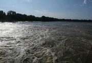 Cod roşu de inundaţii pe Prut, pentru sectorul Oroftiana - Stânca Costeşti, până duminică la prânz