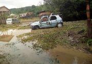Ploile și vântul au făcut prăpăd în țară. Mii de pompieri au intervenit în 16 județe