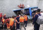 Un autobuz plin cu elevi a căzut într-un lac. Cel puțin 21 de morți. Tinerii mergeau să dea examen de admitere la facultate