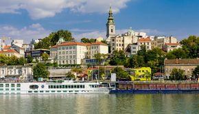 Haos într-o țară vecină cu România după ce președintele a anunțat reintrarea în starea de urgență