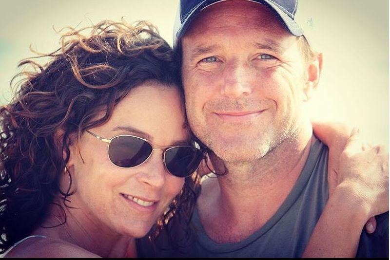 Jennifer Grey și Clark Gregg divorțează, după 19 ani de căsnicie