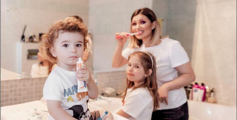 Cum începem spălatul pe dinți la copiii mici? 10 întrebări și răspunsuri!