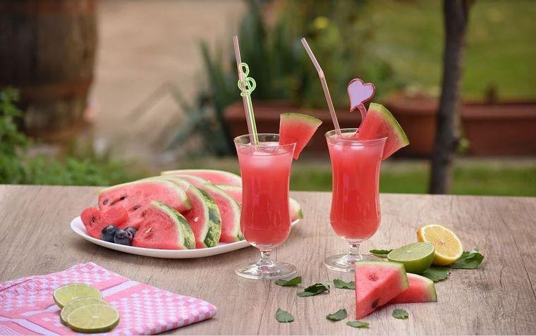 Limonadă delicioasă cu piure de pepene roșu și mentă! Îţi lasă gura apă...Cum o prepari?