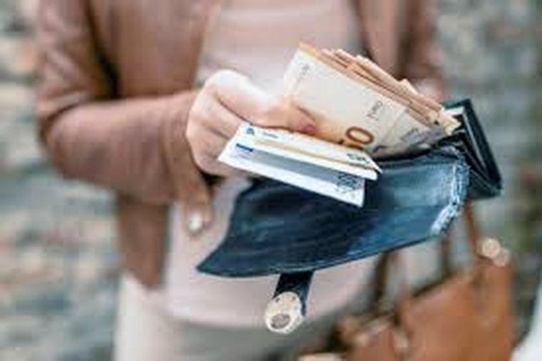 O menajeră din Germania a fost plătită cu 225 000 euro