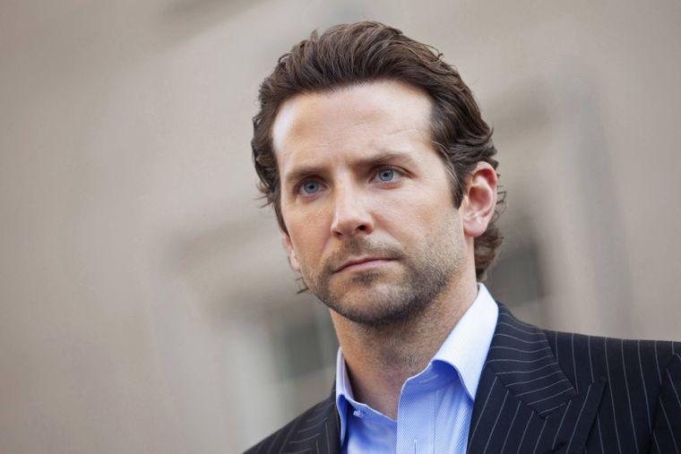 Bradley Cooper, surprins cu una dintre cele mai frumoase femei din lume