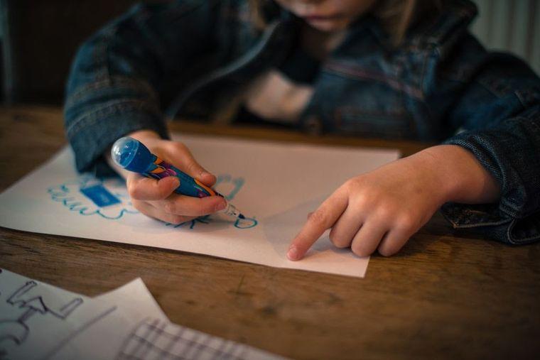 Ce învață cei mici la clasa pregătitoare și ce beneficii oferă această etapă intermediară?