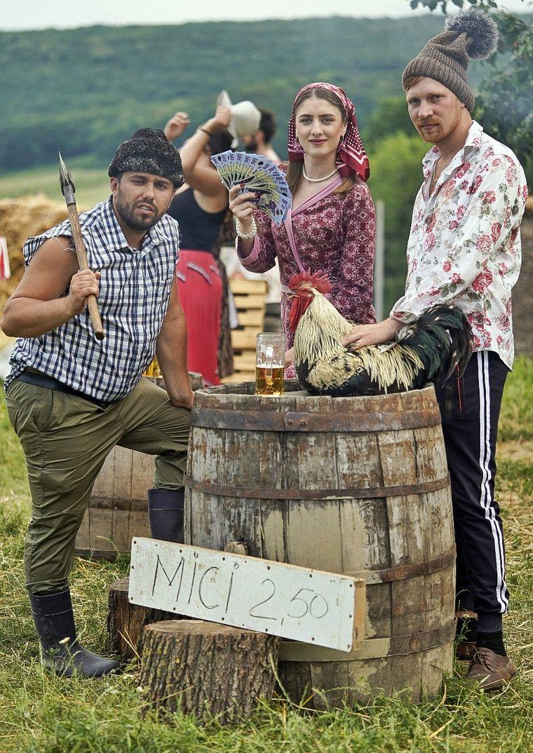 """Sambata seara, la ora 20:00, la Kanal D cel de-al doilea sezon al serialului """"Moldovenii""""!  Imagini in premiera de la filmari!"""