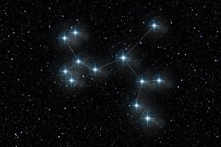 Horoscop zilnic luni, 16 noiembrie 2020. Nativii zodiei Balanță scriu un nou capitol în romanul iubirii!