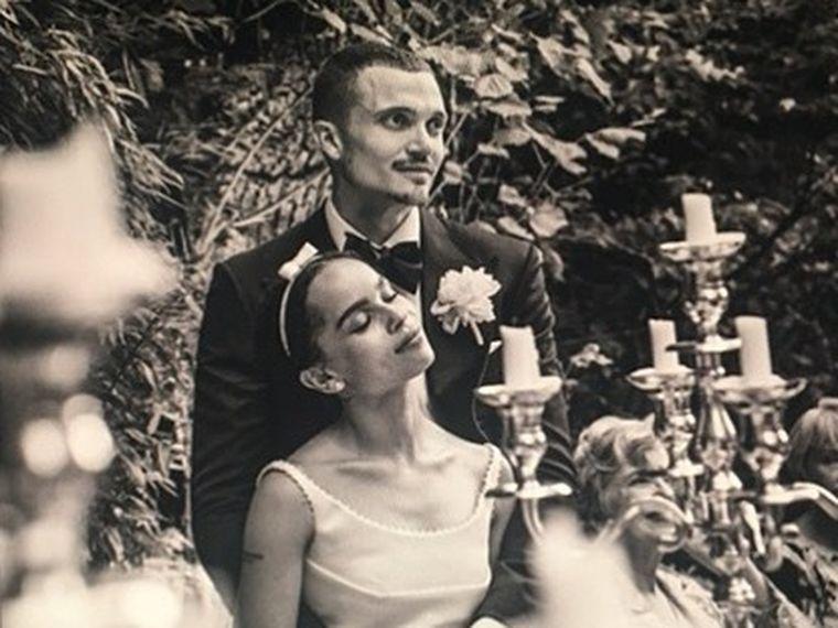 Zoë Kravitz si Karl Glusman divorteaza