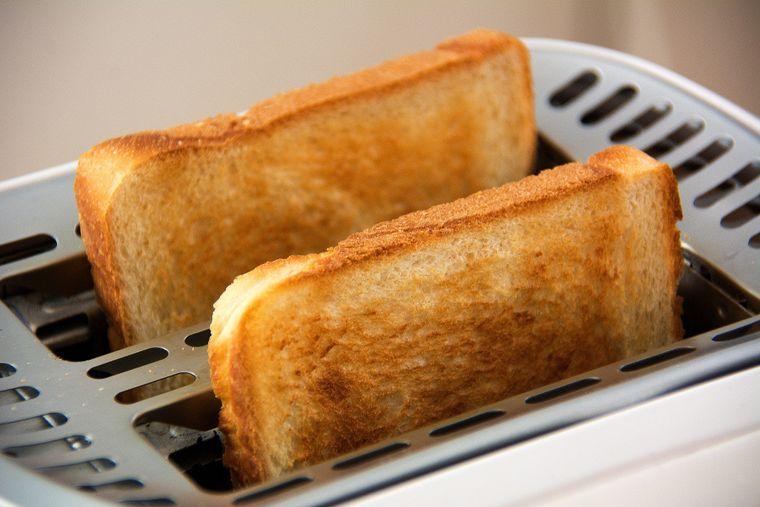 E mai sănătoasă pâinea prăjită decât cea normală? Ce spun nutriționiștii!