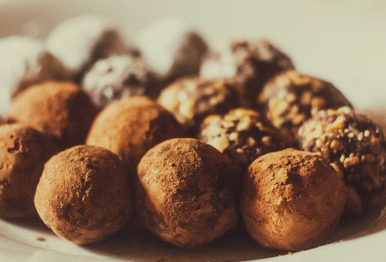 Cum să faci trufe din biscuiți Oreo! Avem pentru tine o reteta simpla si delicioasa.
