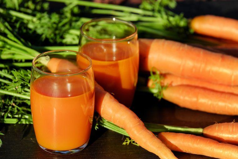 Ce se întâmplă în corpul tău dacă începi să bei suc de morcovi!