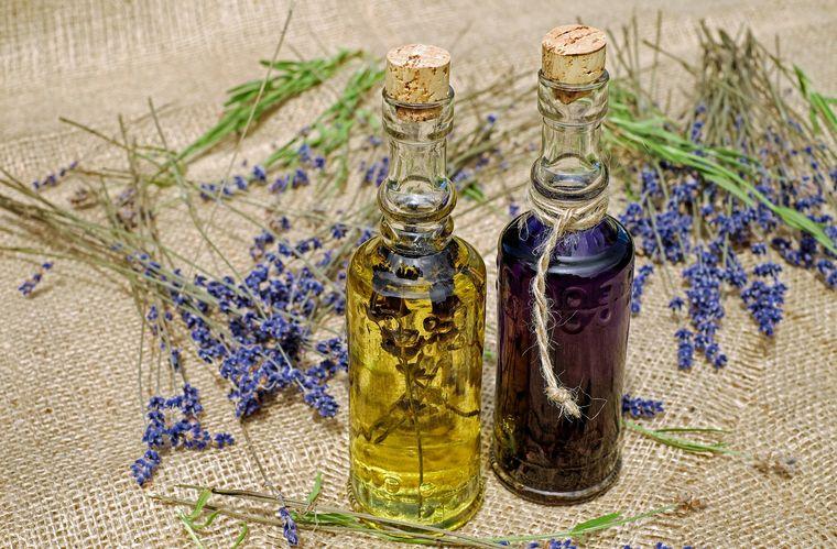 Cum te ajută uleiul esențial de lavandă să calmezi schimbările emoționale și depresia!