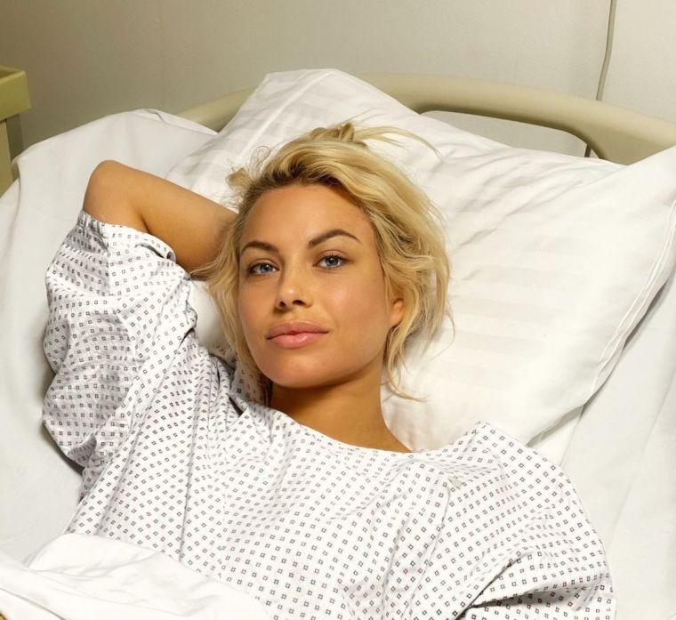 Amna, clipe de coșmar după ce a fost infectată cu virusul Sars-Cov-2