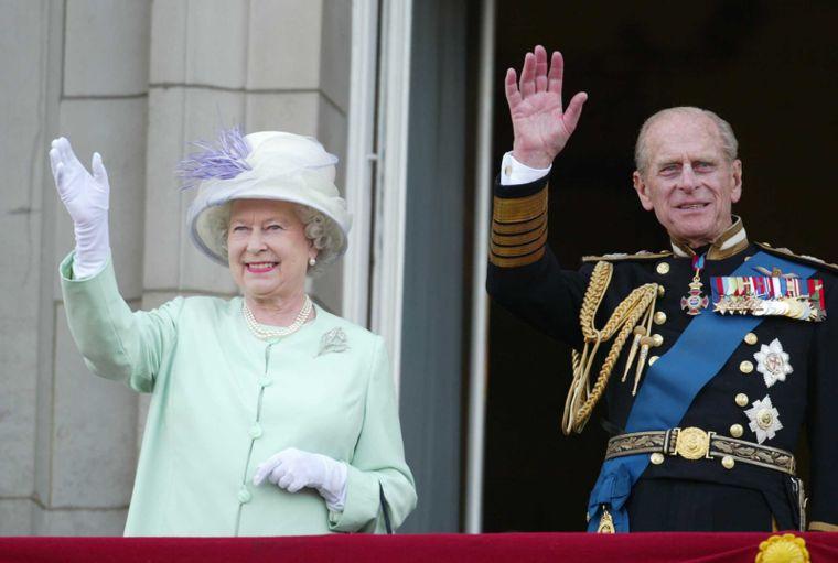 Ce legătură de rudenie a fost între prințul Philip si regina Elisabeta