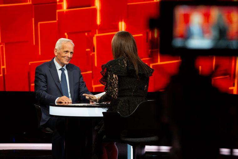 """Theodor Stolojan vine marți, la """"40 de întrebări cu Denise Rifai"""".  #Fostul Premier al României, dezvăluiri în premieră despre cariera politică și viaț personală a acestuia"""