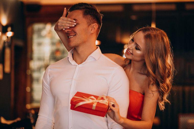 10 idei de surprize pentru persoana iubită