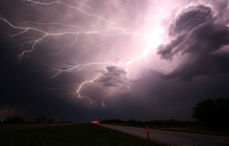 Vremea de marti, 1 iunie 2021, anuntul ANM: ploi in toata tara!
